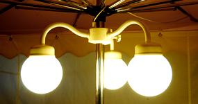 Marktschirm-3-fach_Lampe